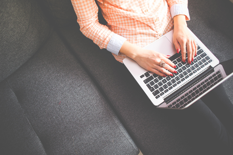 Как се прави личен контакт с клиентите в онлайн магазина?