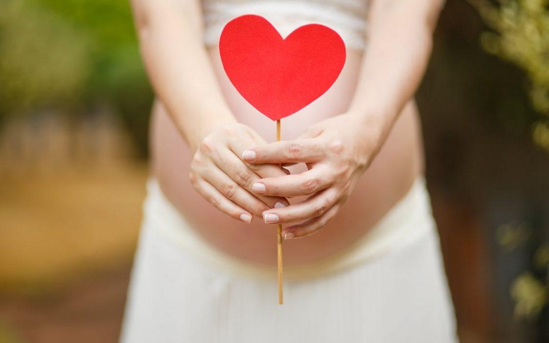 Правата на работещите бременни жени и майките с малки деца